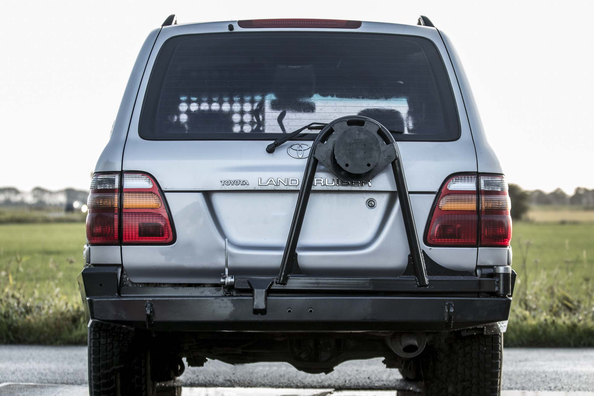 Wink 4x4 Engineered Performance Toyota Land Cruiser 100 Series Designed To Match The Body Lines Of
